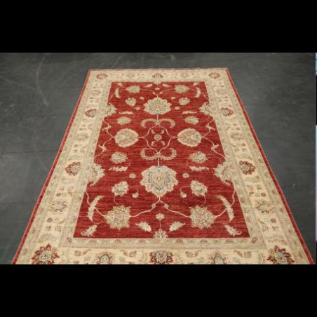Carpet for rent for Paris evening